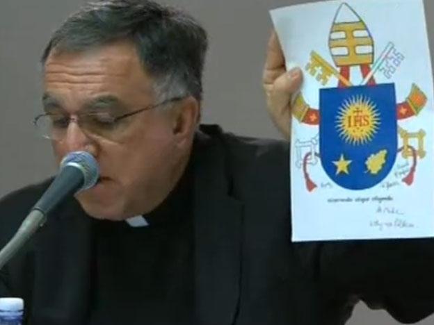 Escudo oficial del Papa Francisco